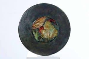 Bois et plâtre acrylique et vernis