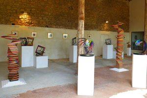 """ECHOS"": wood and bronze sculpture exhibition"